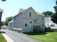 Winona State University off campus student housing at 159 E. 9th (King) St.