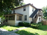 Winona State University off campus student housing at 351 1/2 West 11th Street