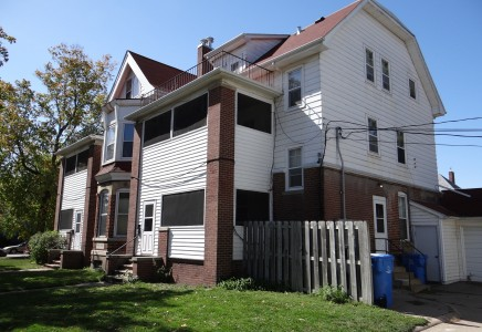 Winona State University off campus student housing at 276 East 7th Street #7