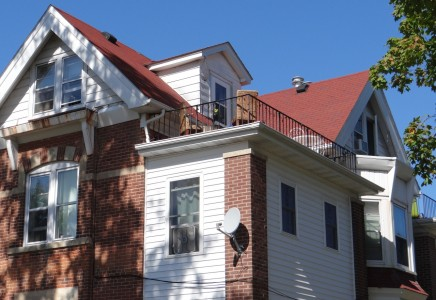 Winona State University off campus student housing at 276 East 7th Street #5