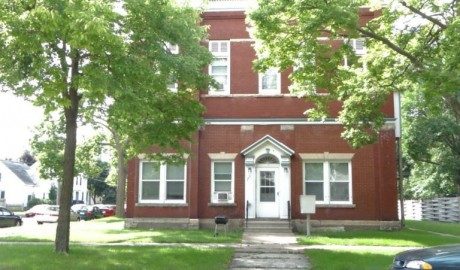 Winona State University off campus student housing at 451 West 7th Street #4