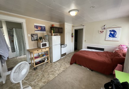 Winona State University off campus student housing at 126 W 7th street #7